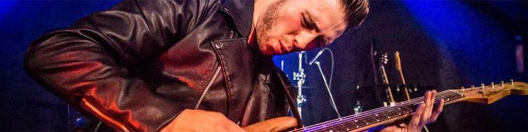 Blues-Gitarrist LAURENCE JONES besinnt sich auf seinem neuen Album auf die Stärken seiner Band