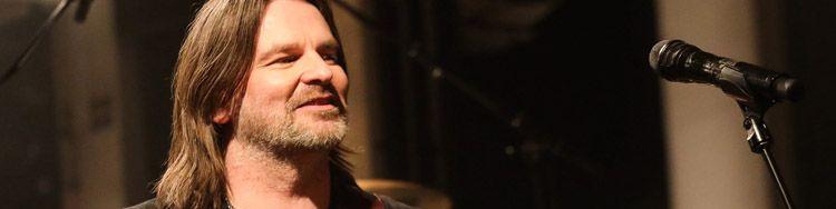Der umtriebige RAY WILSON gab zuletzt Konzerte vor eindrucksvoller Kulisse in Dessau und Posen
