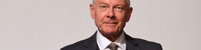 KING CRIMSON - Robert Fripp hält Hof in London