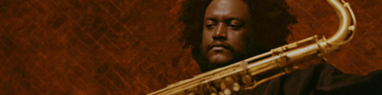 Sozialisiert im Klangbiotop Los Angeles, verleiht KAMASI WASHINGTON dem Jazz ein kosmisches Antlitz